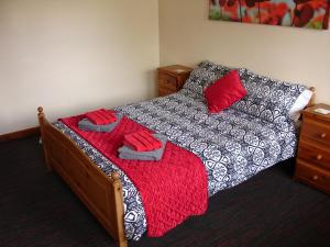 Bridle Holiday Cottage, Forest of Dean, Double bedroom 2