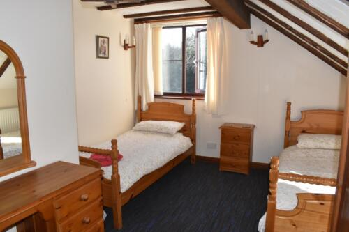 Foxes Cottage Deanwood Holiday cottages twin bedroom