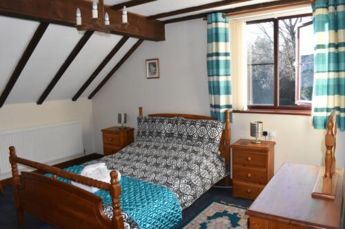Foxes Cottage Deanwood Holidays double bedroom