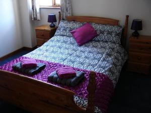 Ivy Cottage double bedroom, Deanwood Holiday cottages