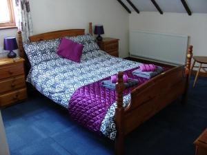 Ivy Cottage double bedroom, Deanwood Holiday cottages 2