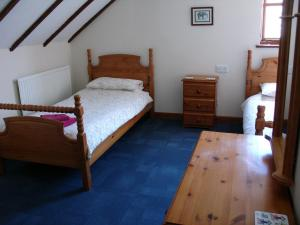Ivy Cottage twin bedroom, Deanwood Holiday cottages 2
