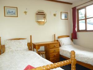 Forge Cottage twin bedroom, Deanwood self catering holidays, Forest of Dean