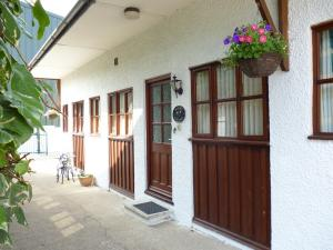 Magpie Cottage exterior Deanwood Holiday Accommodation Forest of Dean selfcatering