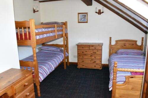 Saddlers Cottage Deanwood Holidays bunk bedroom