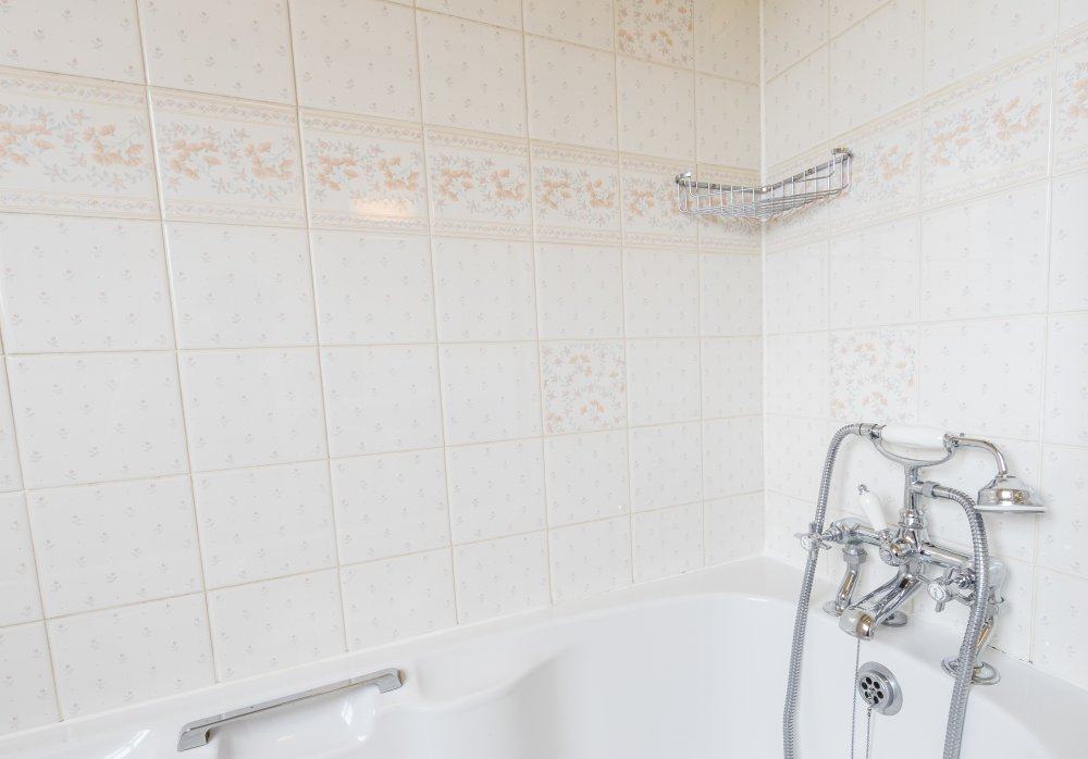 Bridle Cottage bathroom, Deanwood self catering Holidays, Forest of Dean