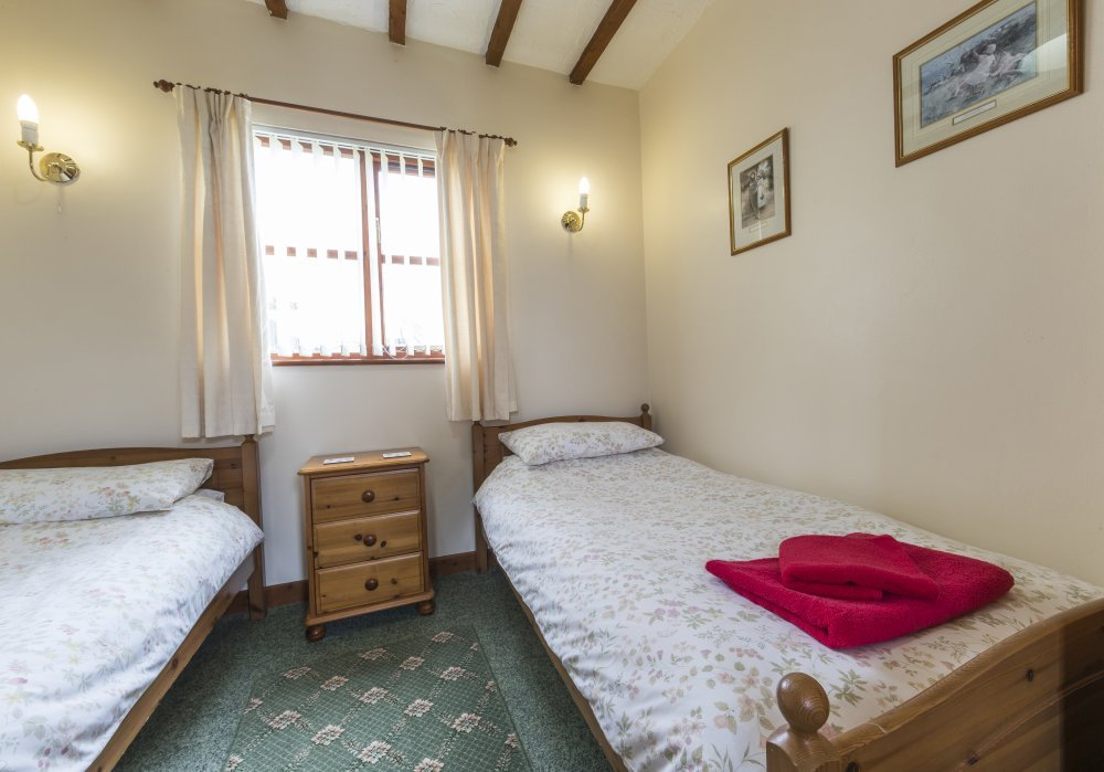 Bridle Cottage twin bedroom, Deanwood self catering Holidays, Forest of Dean