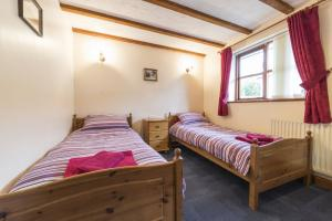 Coachmans twin bedroom, Deanwood self catering Holidays, Forest of Dean