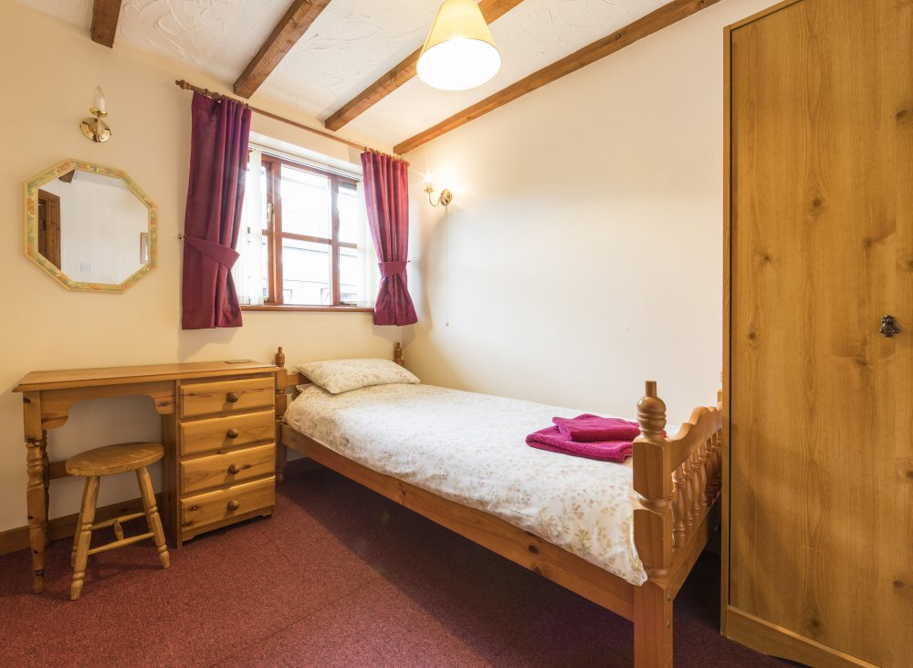 Sunrise Cottage single bedroom, Deanwood Holidays, Forest of Dean