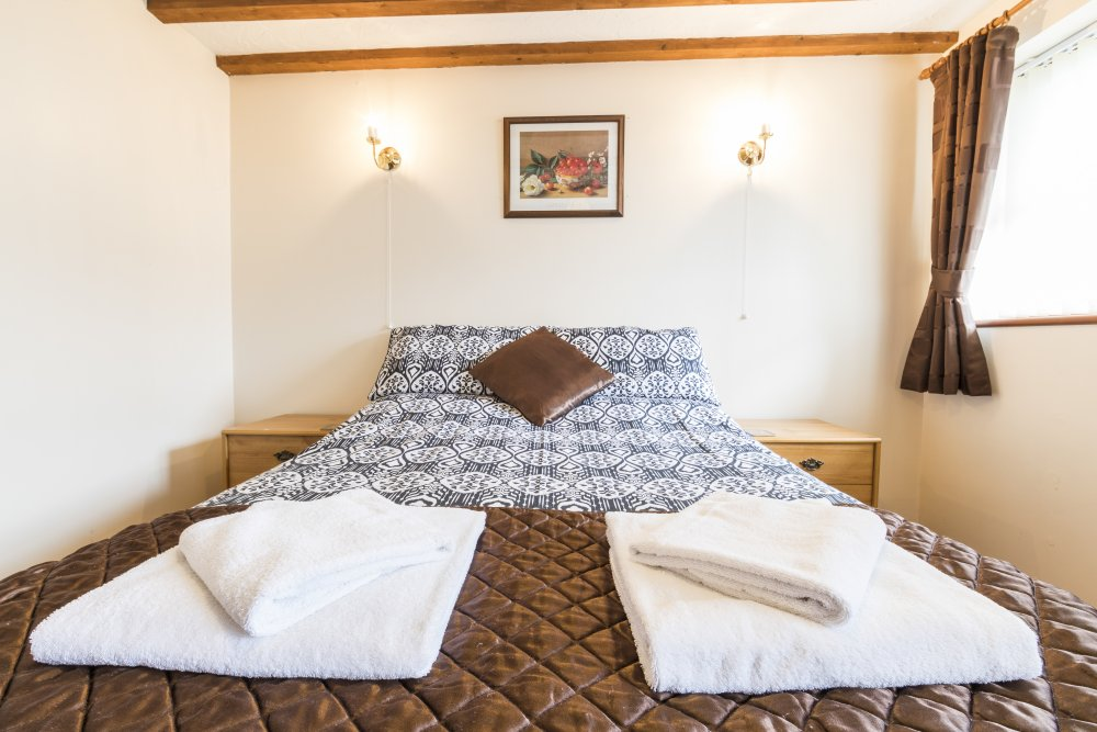 Sunrise Cottage double bedroom, Deanwood Holidays, Forest of Dean
